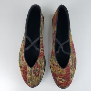 Anthropologie Apropos Tapestry Flats Size 8.5